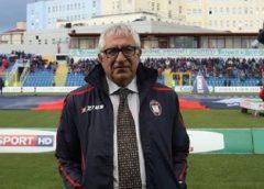 """Il Premio alla carriera della XVI edizione del Premio letterario """"Giomo Trichilo"""" a Giuseppe Ursino"""