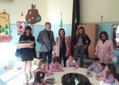 """Trapani: il sindaco dona tante """"piccole biblioteche"""""""